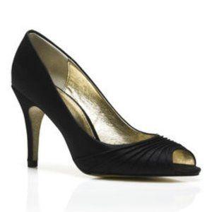 Adrianna Papell Black Farrel Peep Toe Heels size 7